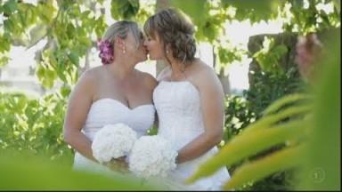 Kiwi couple denied dream Rarotonga wedding because they're gay