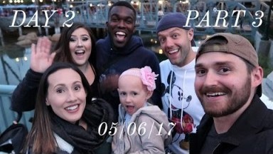 A night in Disneyland with our friends!   Disneyland vlog #28