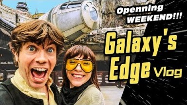 Star Wars Galaxy's Edge Opening Weekend | Disneyland Vlog