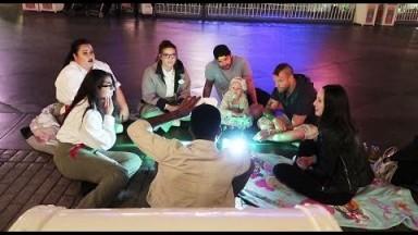 Playing games with Disneyland Cast Members! | Disneyland vlog #35
